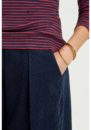 hedda-vneck-top-navy-and-red-7739120930a3